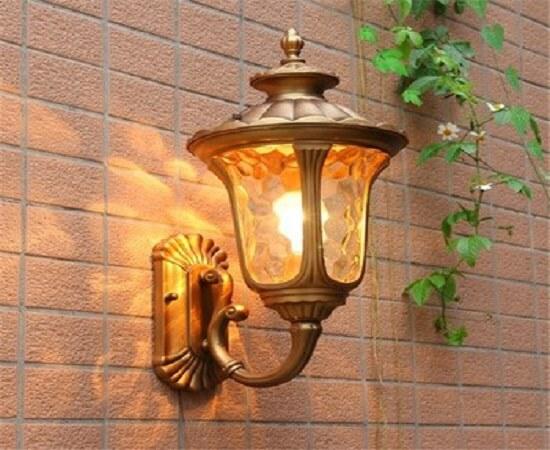 Tư vấn kinh nghiệm khi mua mẫu đèn ốp tường ngoài trời